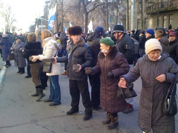 """Кто-то   в  России  пытается  поставить  """"Беркут""""  на  колени  перед  майданом?"""