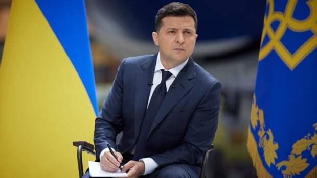 Зеленскому аукнулся скандал с торжественными похоронами члена дивизии СС в Киеве