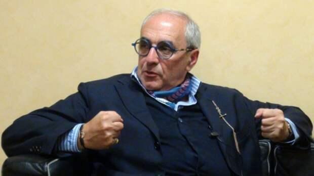Адвокат Добровинский: Запад нужно было завалить исками