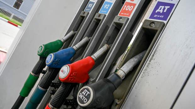 Аналитик Разуваев: фиксация цен на топливо обернется для Украины ростом черных рынков