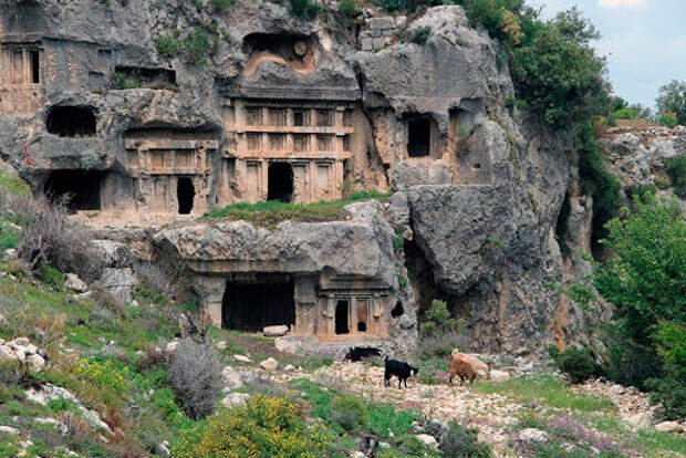 7 руин в Турции, которые находятся недалеко от курортов