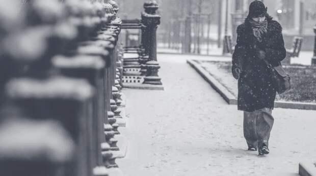Сильный снегопад полностью накрыл Крым