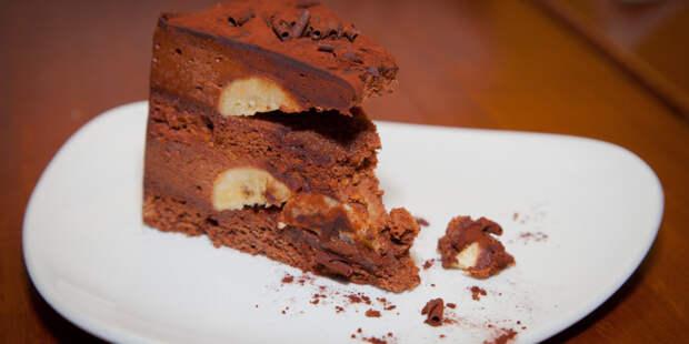 В Париже приготовили самый большой торт «Опера»
