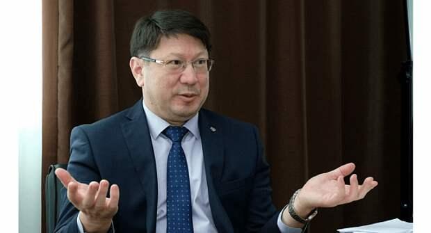 Глава ФСМС РК назвал размер зарплаты после длительной критики – ему платят Т1,5 млн в месяц