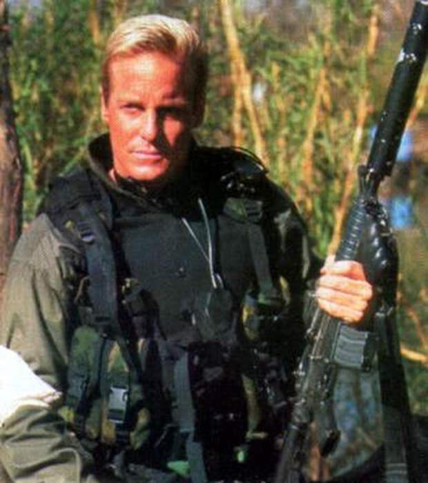 Фрэнк Загарино. Убийца-альбинос из боевиков 90-ых.