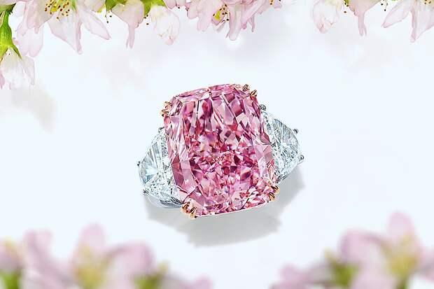 Розовый бриллиант «Сакура» продан в Гонконге за $29,3 млн