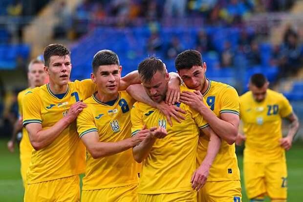 РФС убедил УЕФА обязать сборную Украины убрать с формы лозунг ОУН – УПА