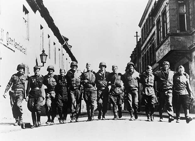 Встречи союзников происходили по всей линии соприкосновения.