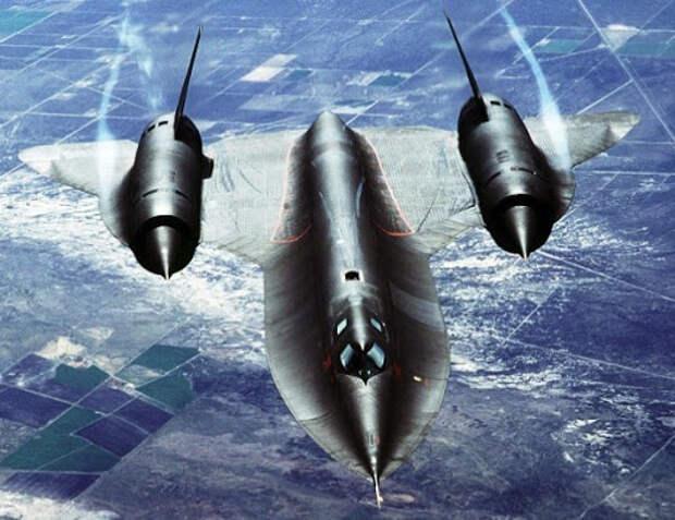 Как США обманули СССР ради строительства самолетов Lockheed SR-71