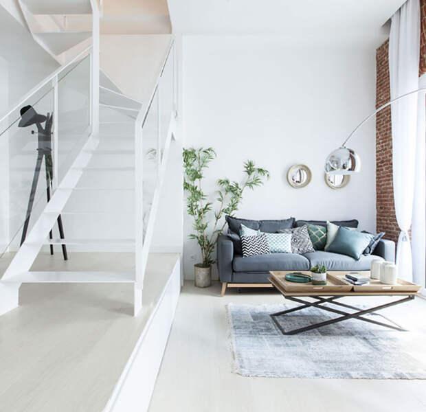 Светлая квартира в два уровня в Мадриде