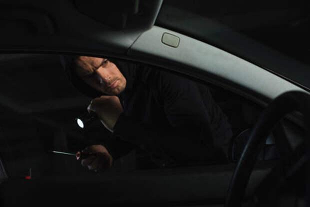 Полиция задержала серийного вора автозапчастей