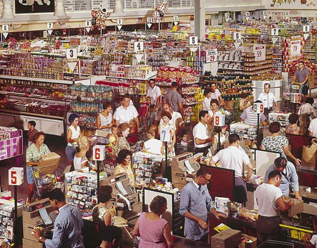 Сравниваем магазины в США и в СССР.