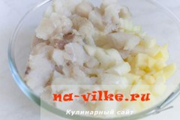 Пирог с белой рыбой и картофелем