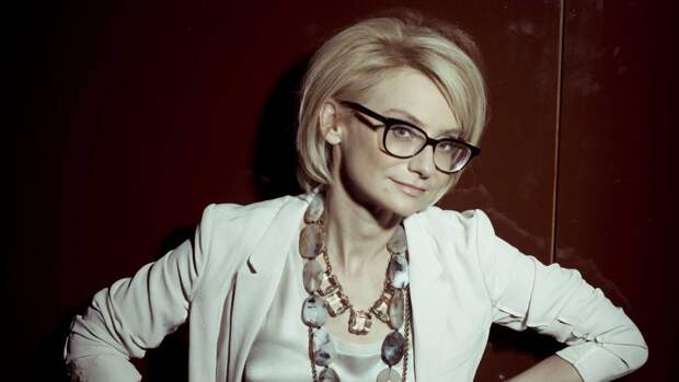 Телеведущая Хромченко составила антирейтинг одежды для женщин старше 50 лет