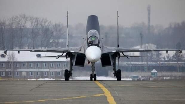 """Китайские СМИ рассказали о """"бегстве"""" F-35 после встречи с российским Су-30"""