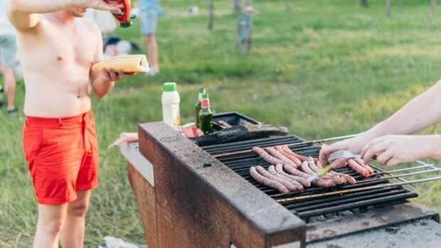 Майонез, масло и сосиски. Стало известно, какие продукты подорожали в России за апрель
