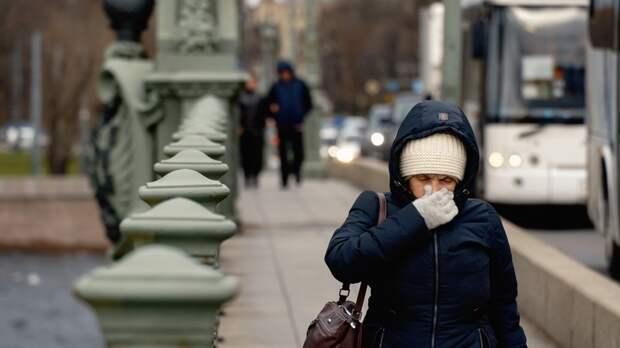 Город на Неве вводит локдаун для защиты от коронавируса и наплыва заскучавших москвичей