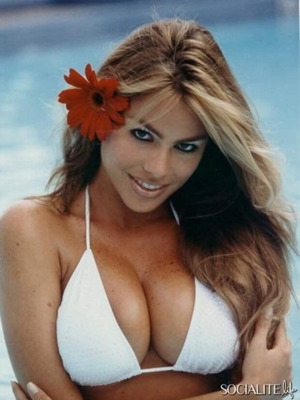 Колумбийская красотка София Вергара во всей своей красе.