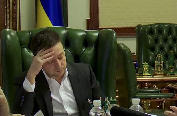 Зеленский устал играть роль президента