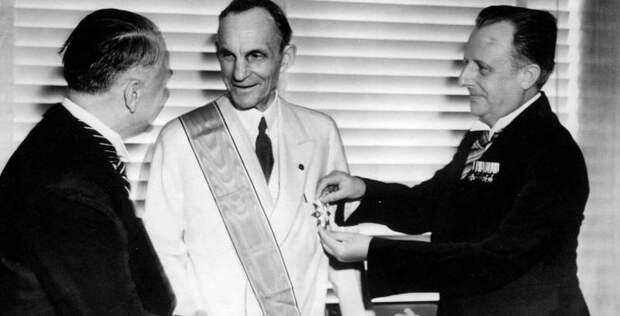 Зачем на западе вскормили Гитлера, а на востоке спровоцировали Японию