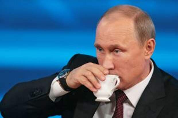 Что за чай пил Владимир Путин во время большой пресс-конференции?