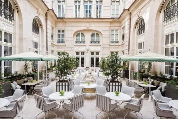 В одном из самых известных отелей Парижа Hôtel de Crillon открываются три уникальные террасы