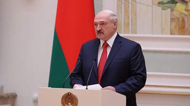 Лукашенко поздравил народ Белоруссии с Днем Победы