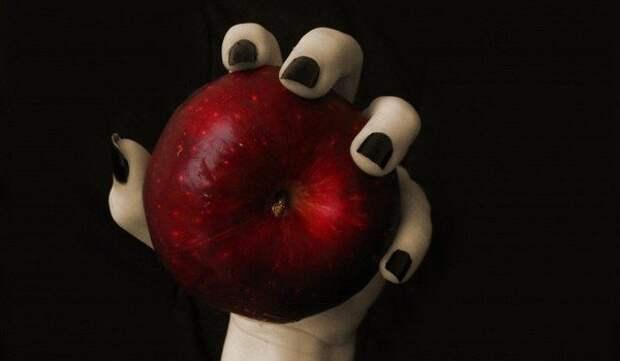 Чтобы яблоня не баловала... Хотите - верьте, хотите - нет
