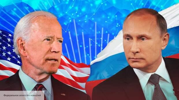 «Главный эксперт по России» Ребекка Коффлер: «Путин держит Байдена за горло»