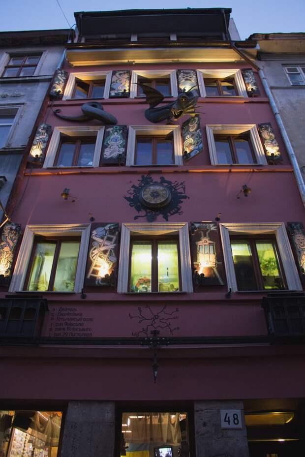 Ресторан Дом легенд во Львове
