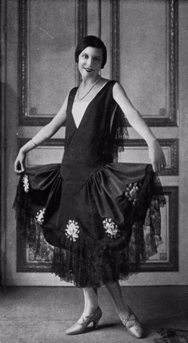 Модное платье без корсета - нововведение 1920 годов.