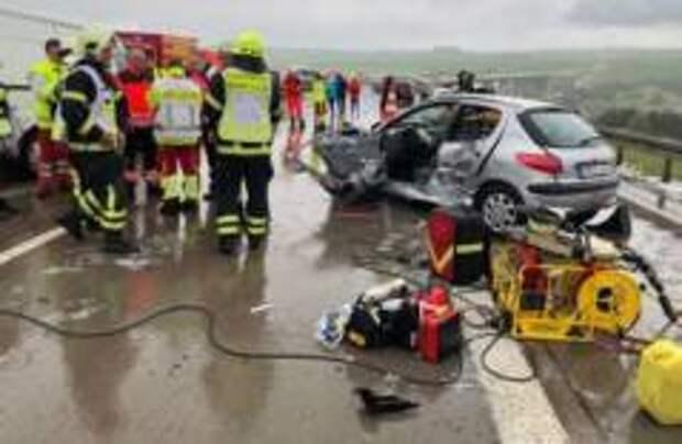 Более 50 машин столкнулись в Германии