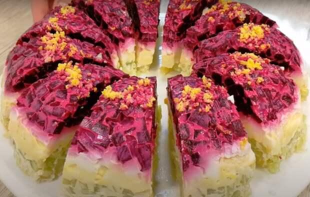 Интересный салат «Хризантема»