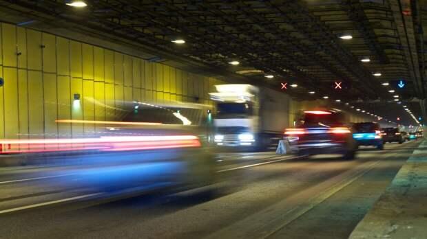 Движение в тоннеле петербургской дамбы временно ограничат
