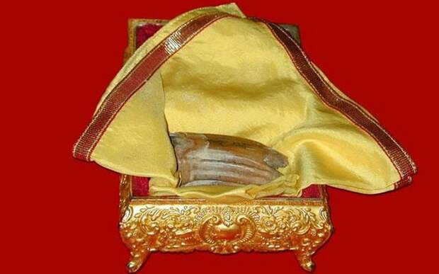 Зуб Будды - одна из самых странных реликвий религиозного культа.