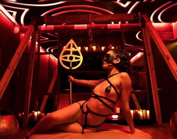 Оргия навысшем уровне: внутри элитного секс-клуба, куда наведываются голливудские звезды ибогачи
