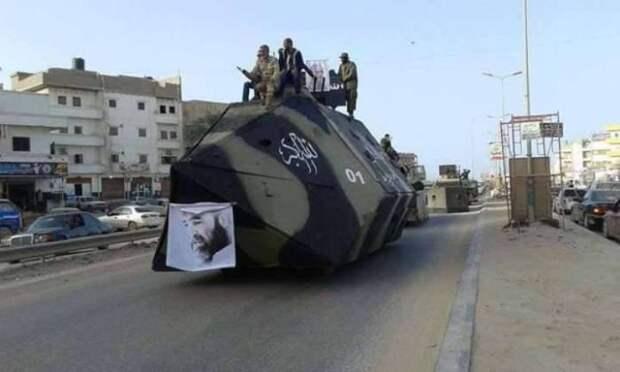Броневик официальных властей Ливии, действующих против ИГИЛ.