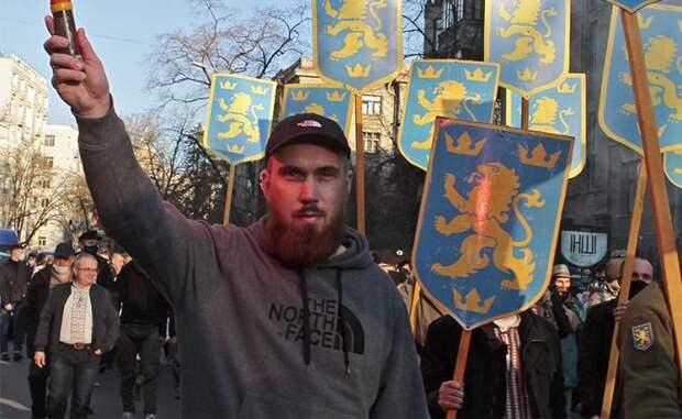 Германия в шоке: Киев уже не стесняется прославлять Гитлера