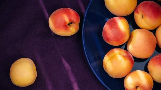 Косточки абрикоса и персика могут нести смертельную угрозу для детей