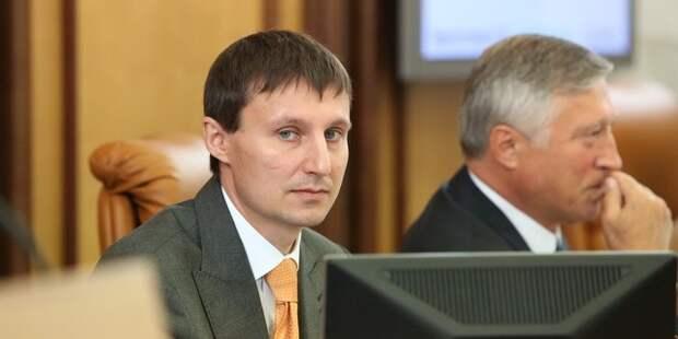 Выглядим дураками: красноярские депутаты назвали повышение своих зарплат подставой