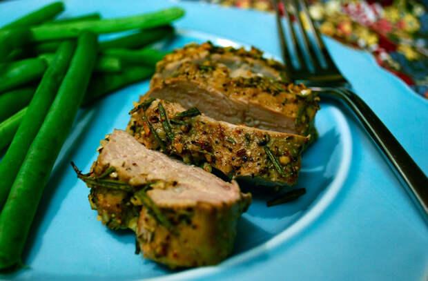 Ставим в духовку большой кусок мяса: 8 сочных блюд на Новый год