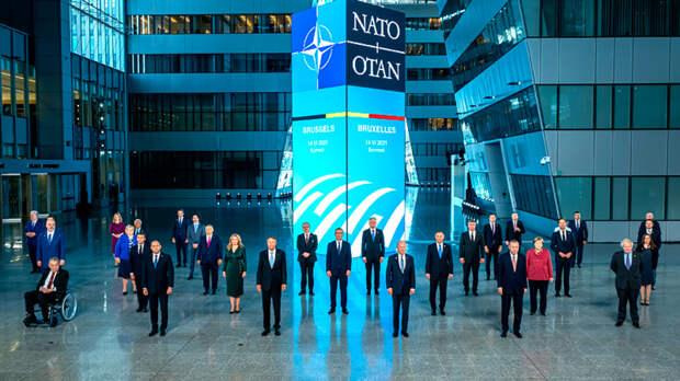 Двойная угроза: США стимулирует европартнеров для сдерживания России и Китая