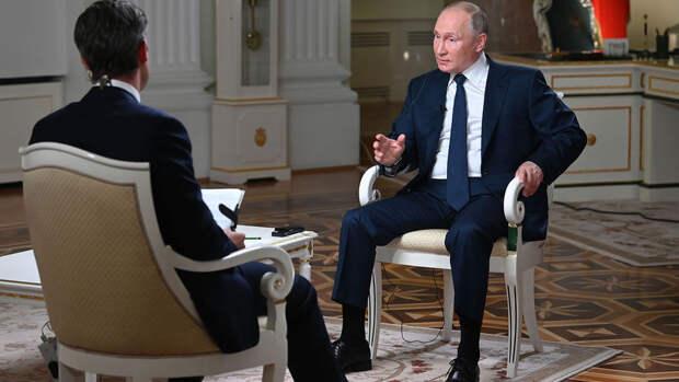 """Путин попросил журналиста NBC """"не затыкать ему рот"""" во время интервью"""