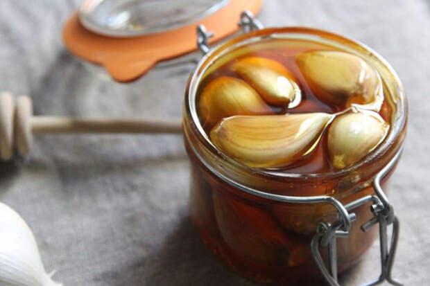 Чеснок с медом натощак — верный залог вашего здоровья