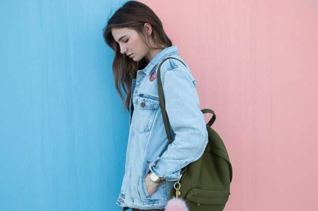 woman-2564660_1280-1024x682 С чем носить джинсовую куртку?