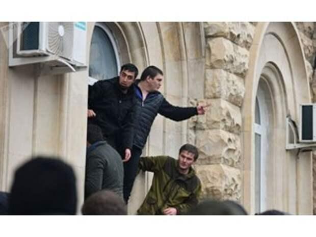 Переворот как мамалыга — «качать лодку власти в Абхазии снова будут осенью»