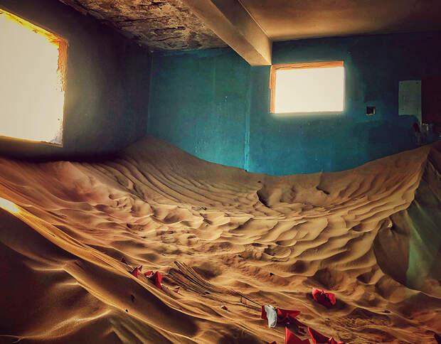 Заброшенный поселок-призрак Аль-Мадам в песках Эмиратов