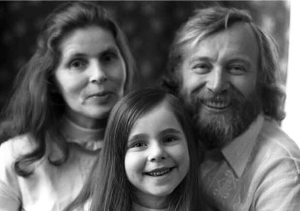 Иннокентий Смоктуновский с женой и дочерью | Фото: legendy-kino.ru