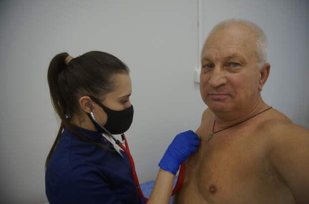 Первый украинский журналист испытывает российскую вакцину от Covid-19: Началась вторая фаза эксперимента