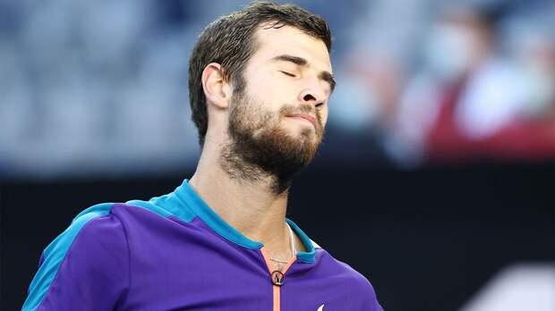 Хачанов потерпел поражение от Дельбониса на старте турнира в Риме